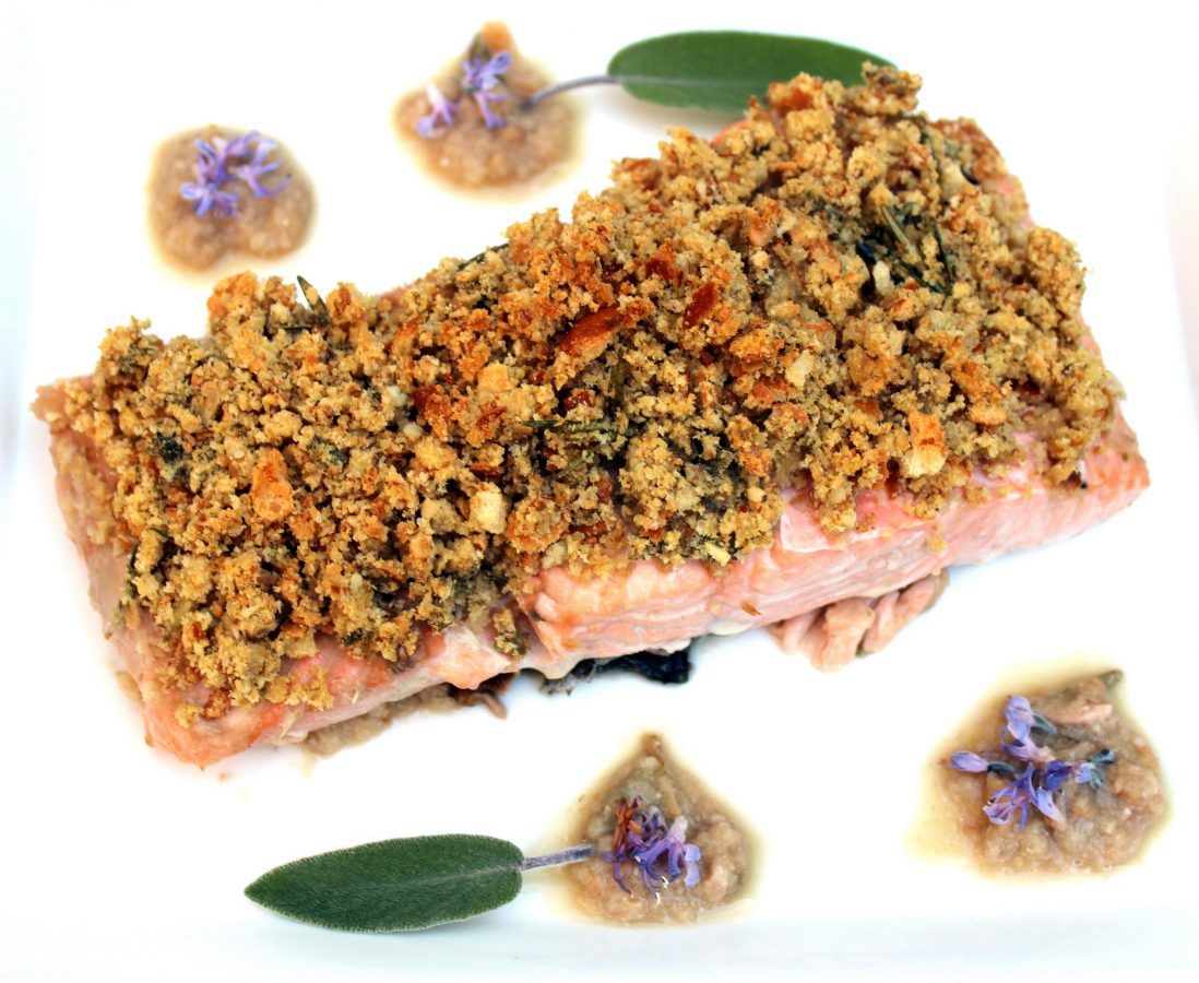 salmon con costra de pan y nueces