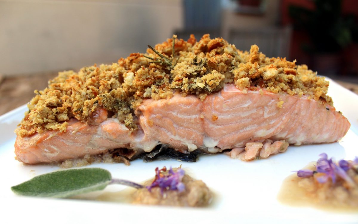 salmon con costra de pan y nueces-2