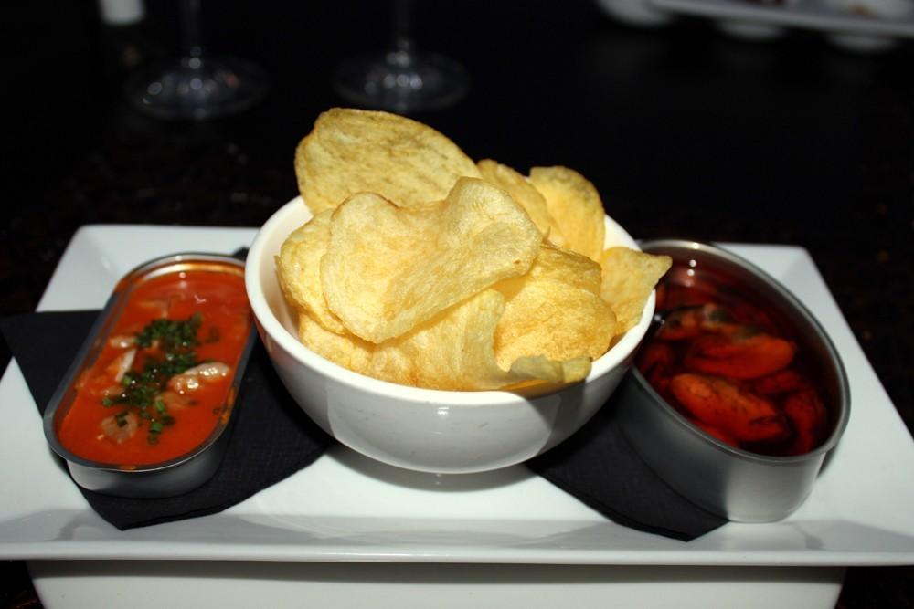berberechos al ajo arriero, patatas fritas y mejillones en escabeche - Restaurante Palé