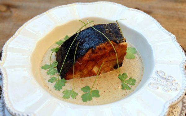 Receta de Bonito en salsa de cebolla y champiñones