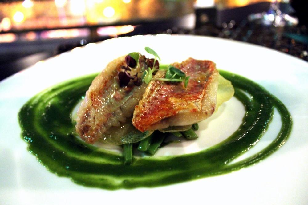 Salmonete de costa a la plancha con judias verdes y emulsión de berros-1- Restaurante Palé