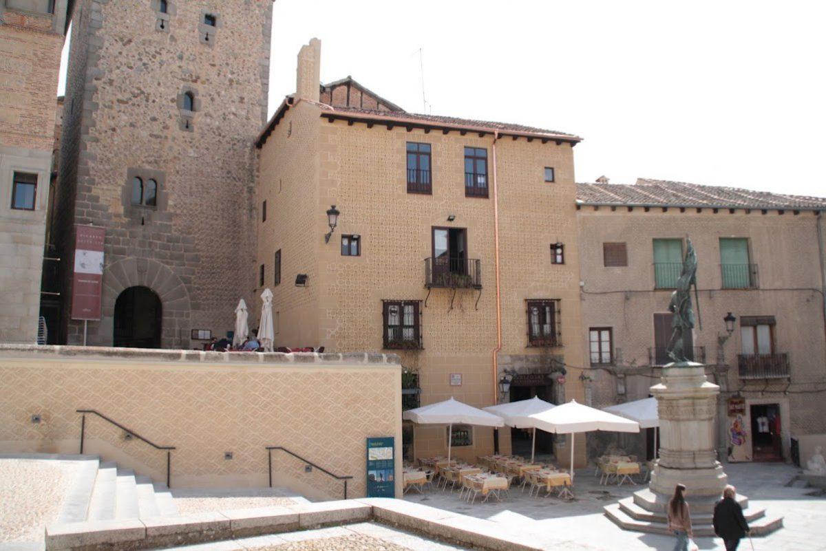 Fachada del Restaurante El Narizotas (4)