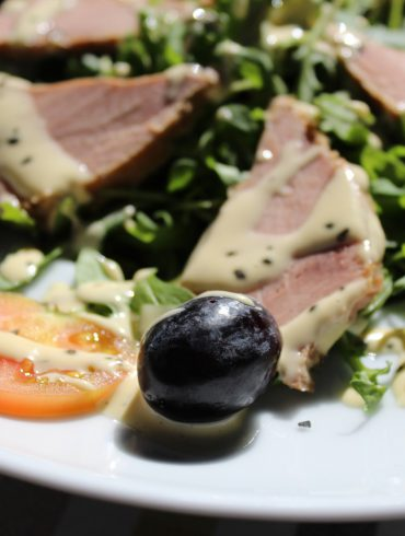 Ensalada de Atún con rúcula y uvas