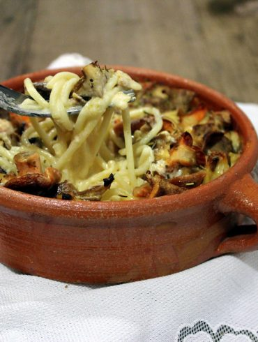 Espaguetis a la carbonara con setas