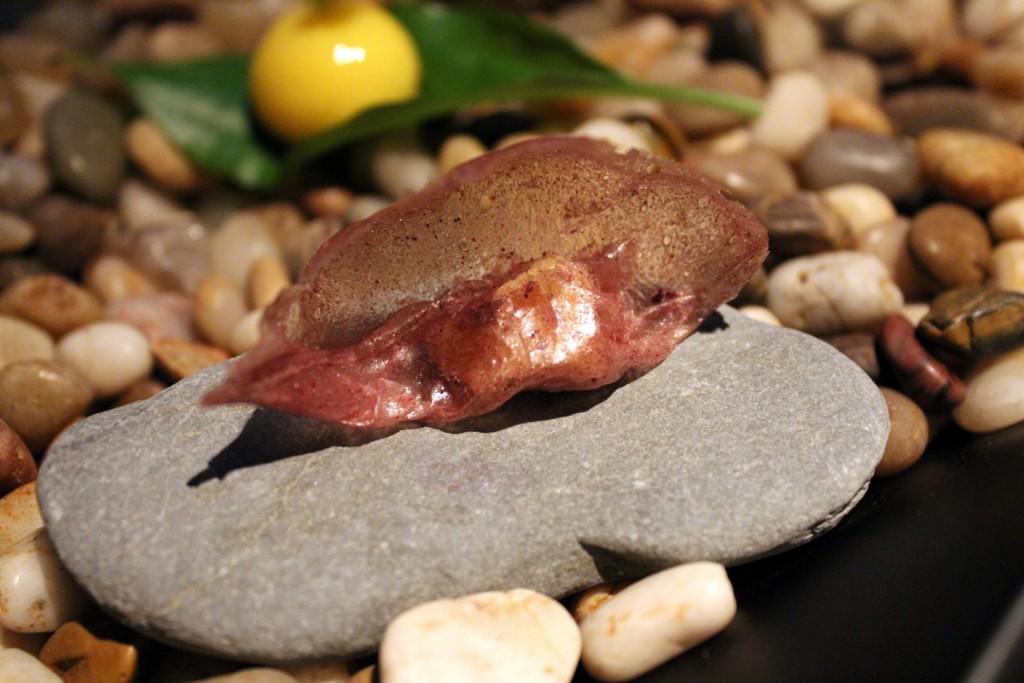 Corteza casera con aceituna negra y yuzu