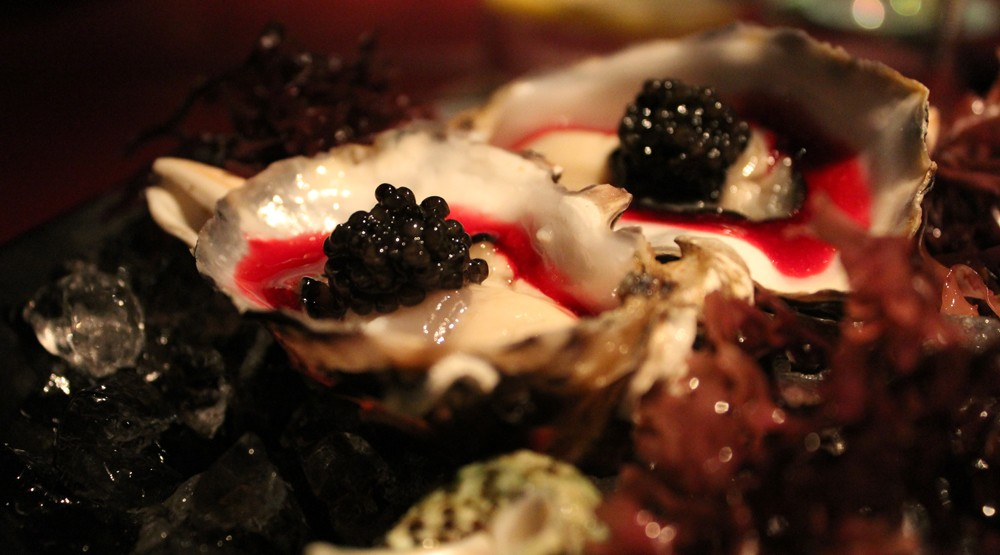 Ostra con borch y caviar