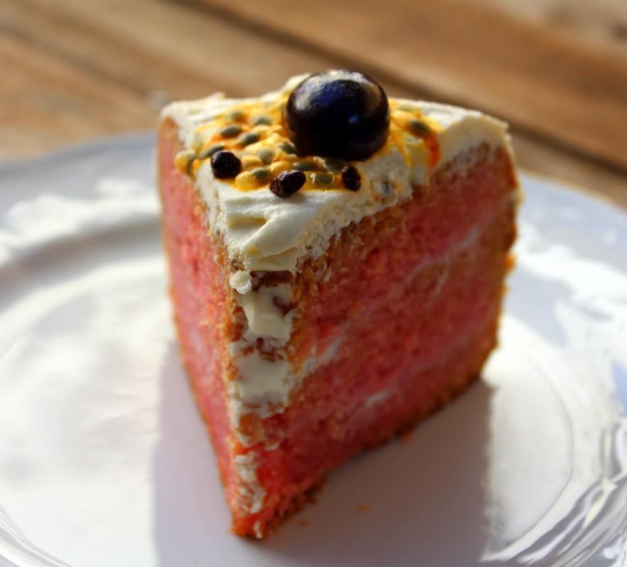 Porción de Tarta de cumpleaños Red Velvet Cake