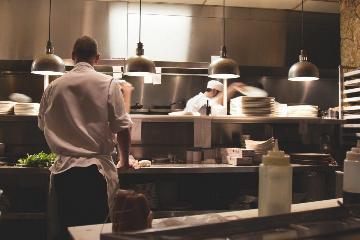 Cocineros trabajando - Pexels