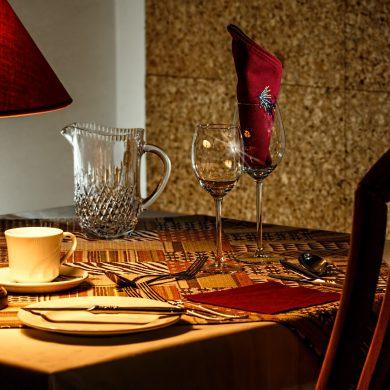 Mesa de restaurante - PEXELS
