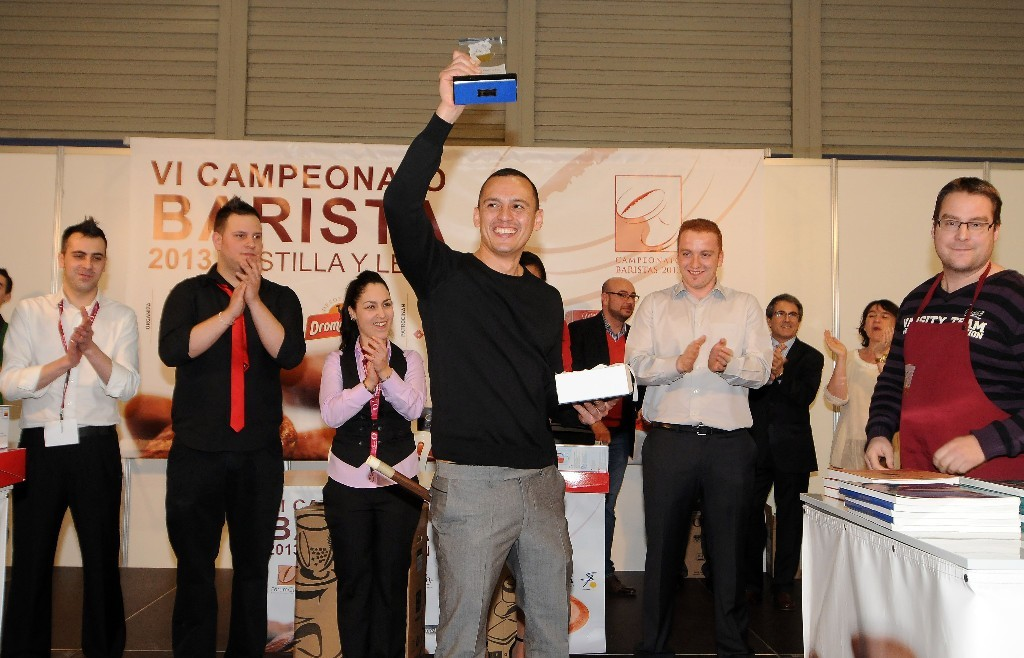 Rafael Guerrero Vanegas se ha proclamado por segundo año consecutivo Mejor Barista de Castilla y León al proclamarse vencedor del VII Campeonato de Baristas de Castilla y León.