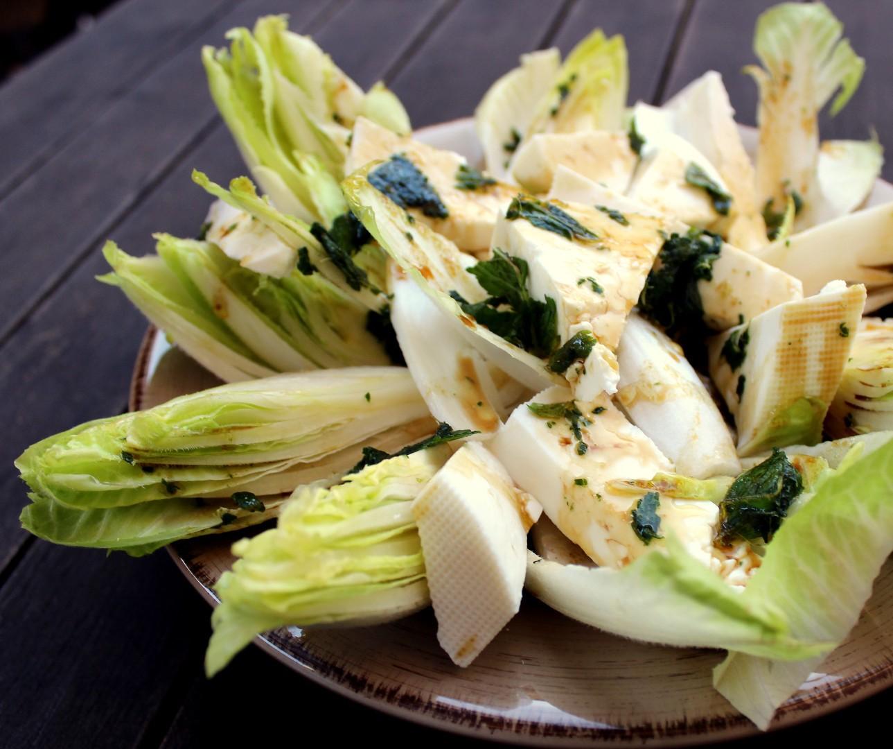 Ensalada de endivias con queso fresco