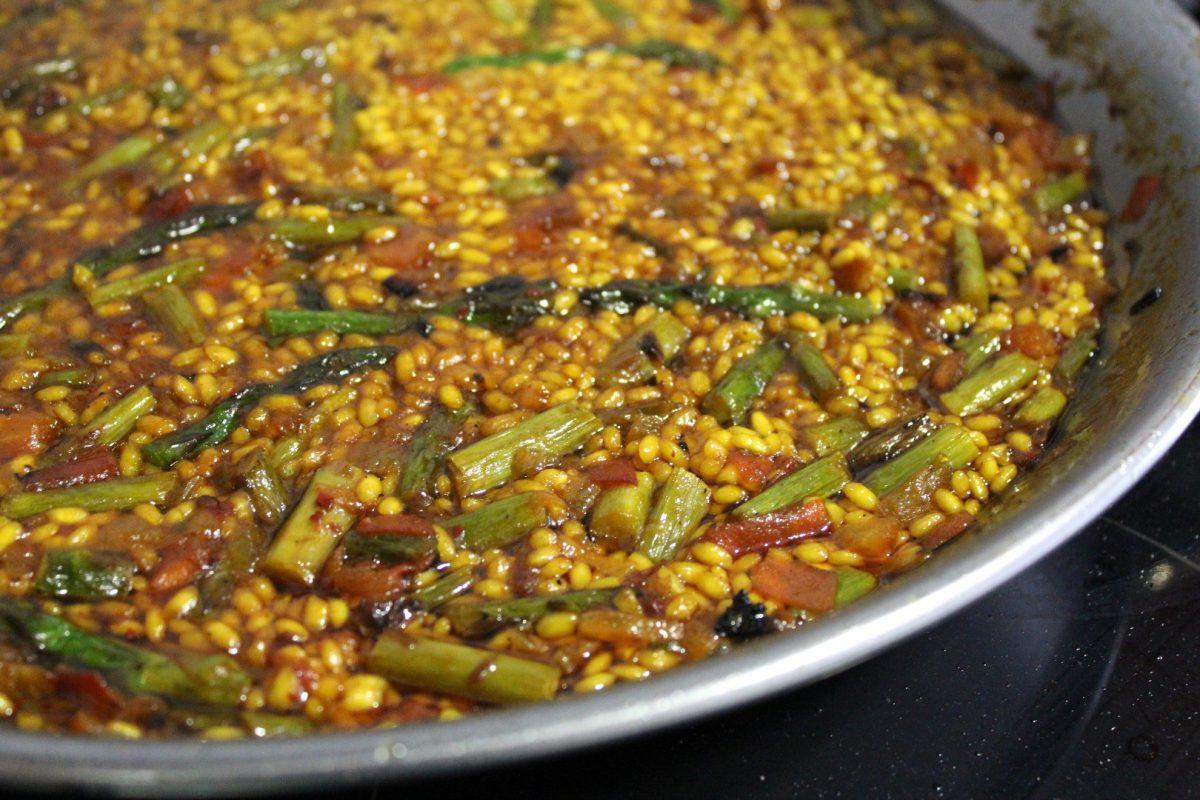 arroz con esparrágos trigueros