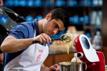 Efren con el Robot de cocina mum5 de Bosch