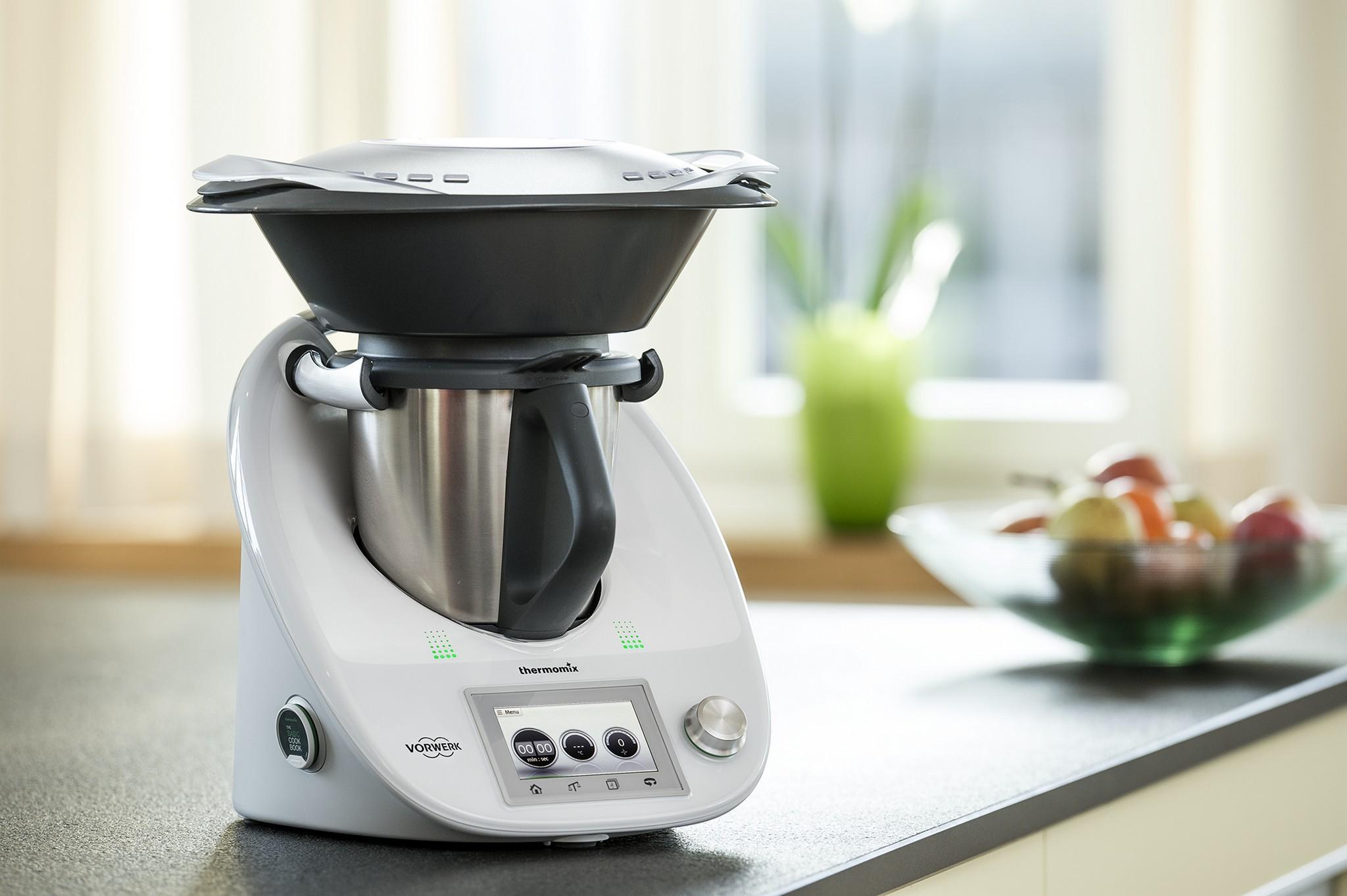 Nueva thermomix tm5 pantalla t ctil y recetas digitales for Precio cocina nueva