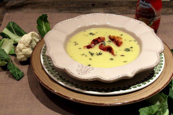 Crema de coliflor con salsa carbonara