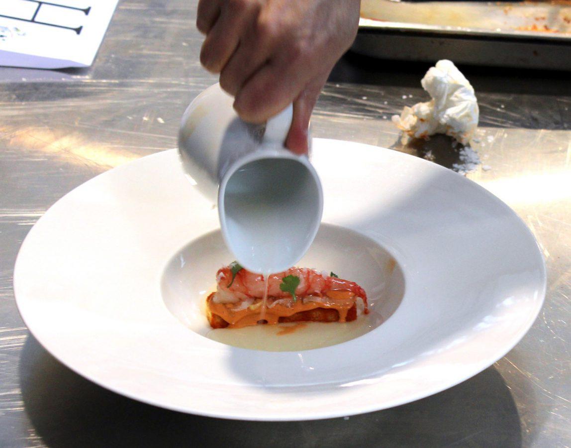 Gamba de Dénia Inyectada, Sobao de Aceite de Oliva y Tomate - Germán Espinosa 1