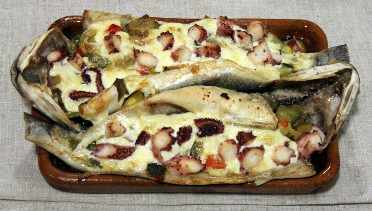 Receta de Lubina al horno rellena de verduras