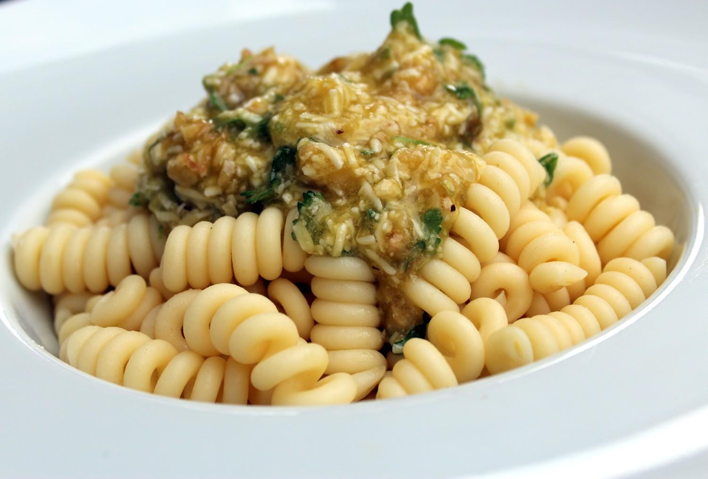 Ensalada de pasta r pida de elaborar sana y deliciosa - Como se hace la salsa pesto para pasta ...