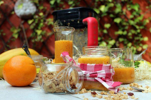 Smoothie de mango, albaricoque y melocotón