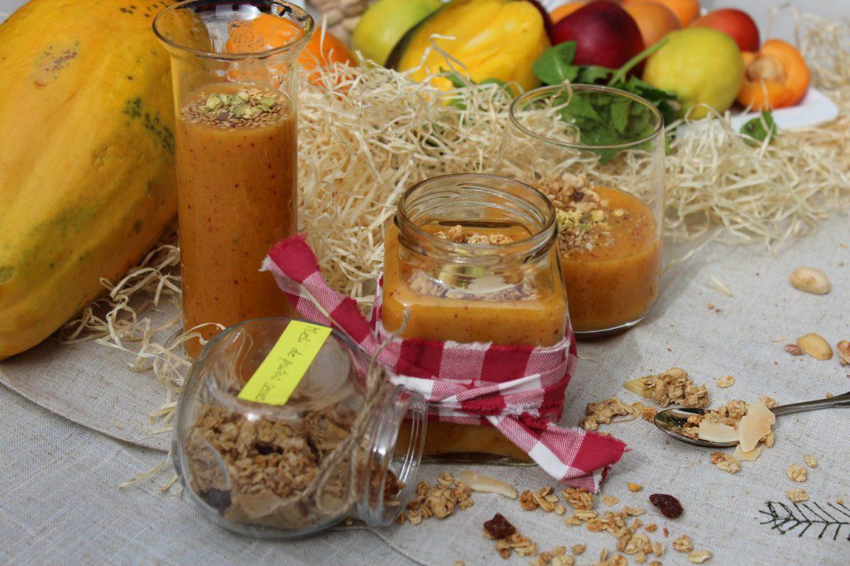 smoothie de mango, albaricoque y melocoton