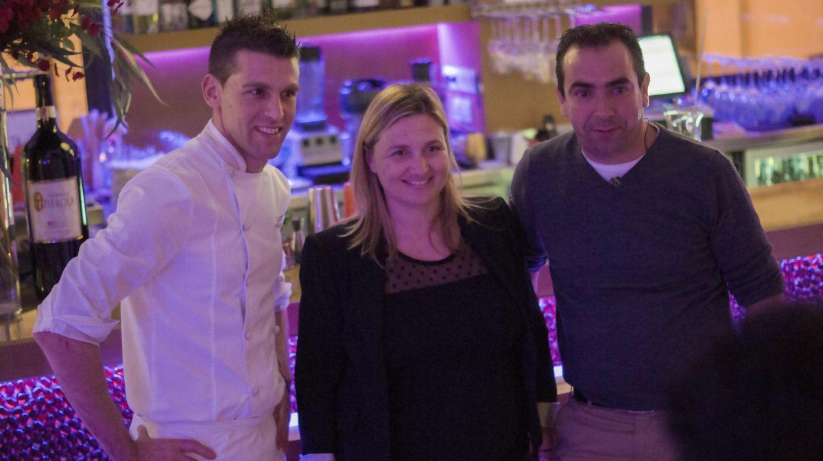 Esther Boned, Pere Vendrel propietarios de Sa Brisa con el Chef Gonzalo Martín Aragüez