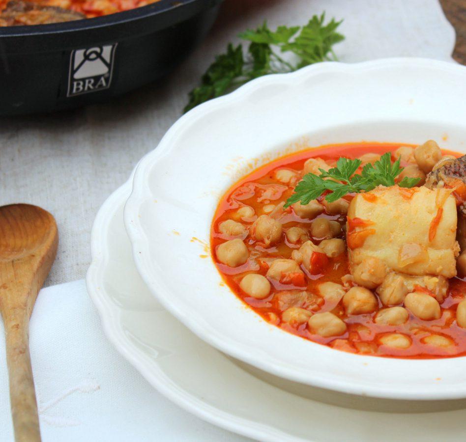 Potaje de bacalao receta tradicional de cuaresma - Bacalao con garbanzos y patatas ...