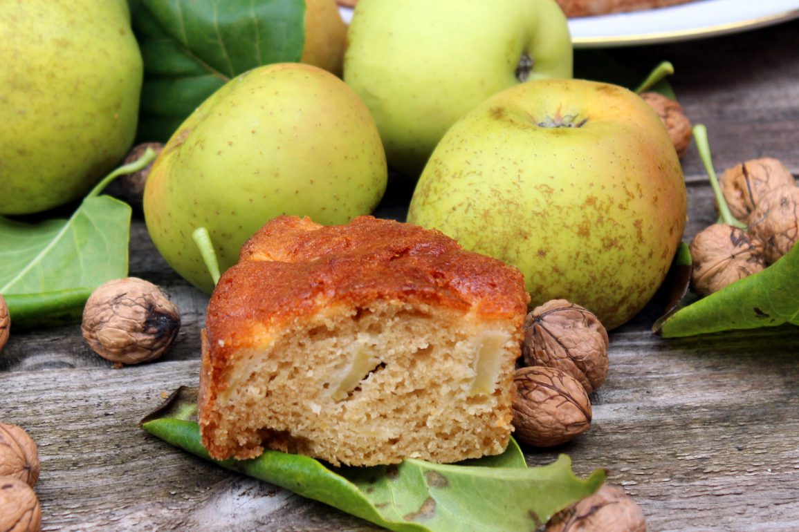 Pastel de manzana y nueces