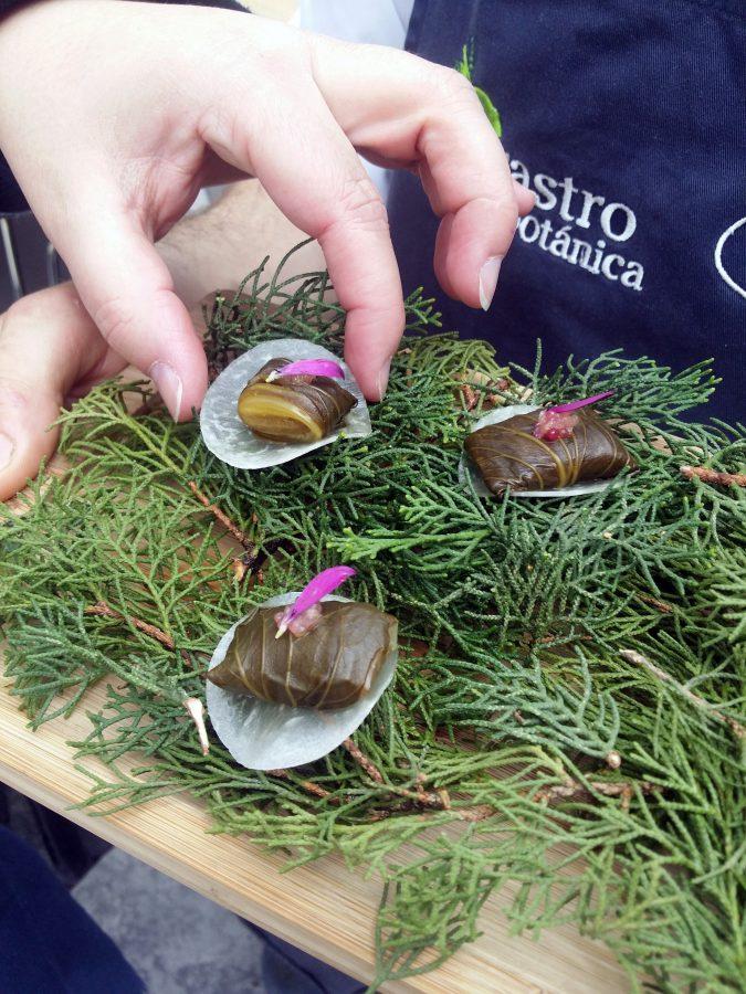 Bok choy fermentado con caviar cítrico y ajo negro - Rodrigo de la Calle - El Invernadero