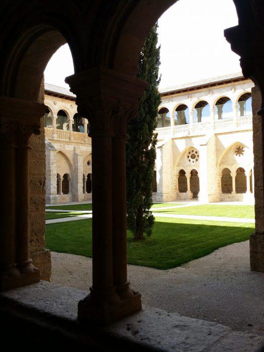 Claustro monasterio Santa María de Valbuena (2)