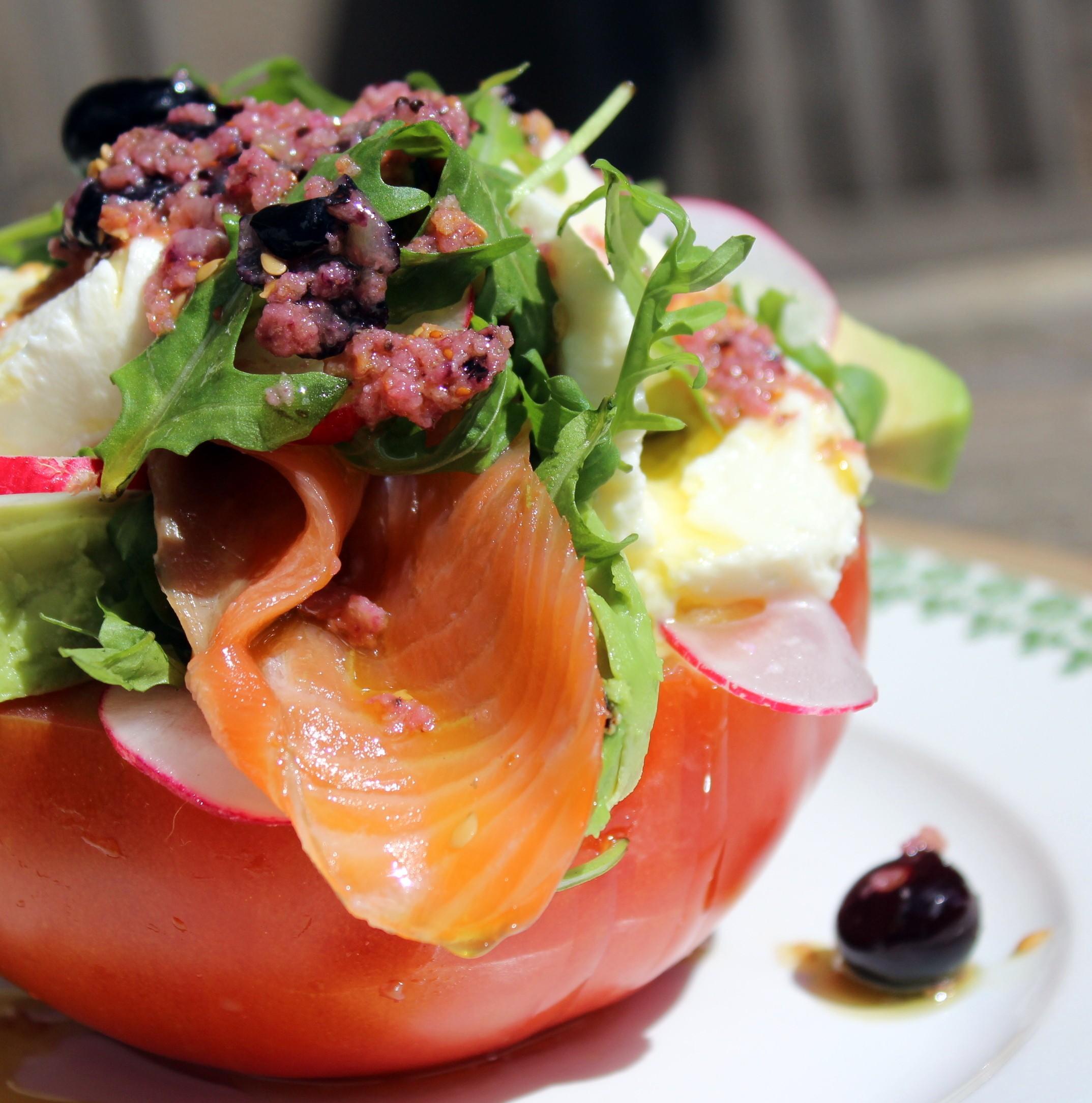 Ensalada de tomate salm n mozzarella y aguacate blog - Ensalada de aguacate y salmon ahumado ...