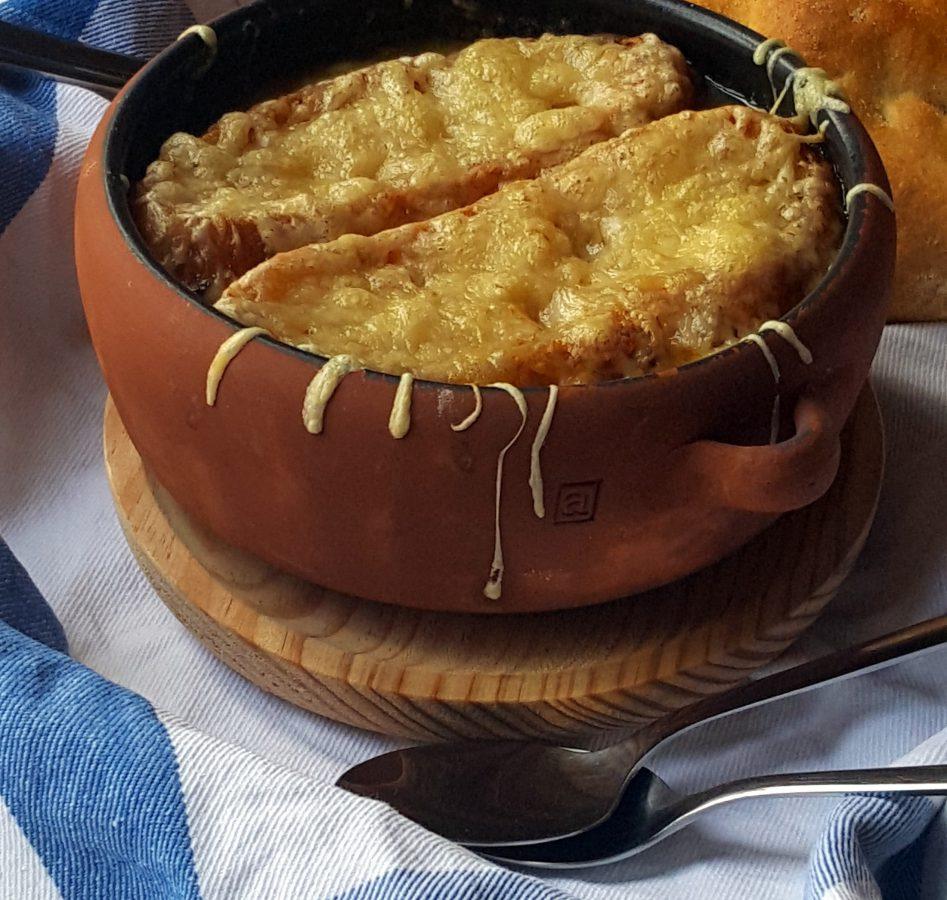 Sopa de cebolla, receta tradicional de la cocina francesa 4