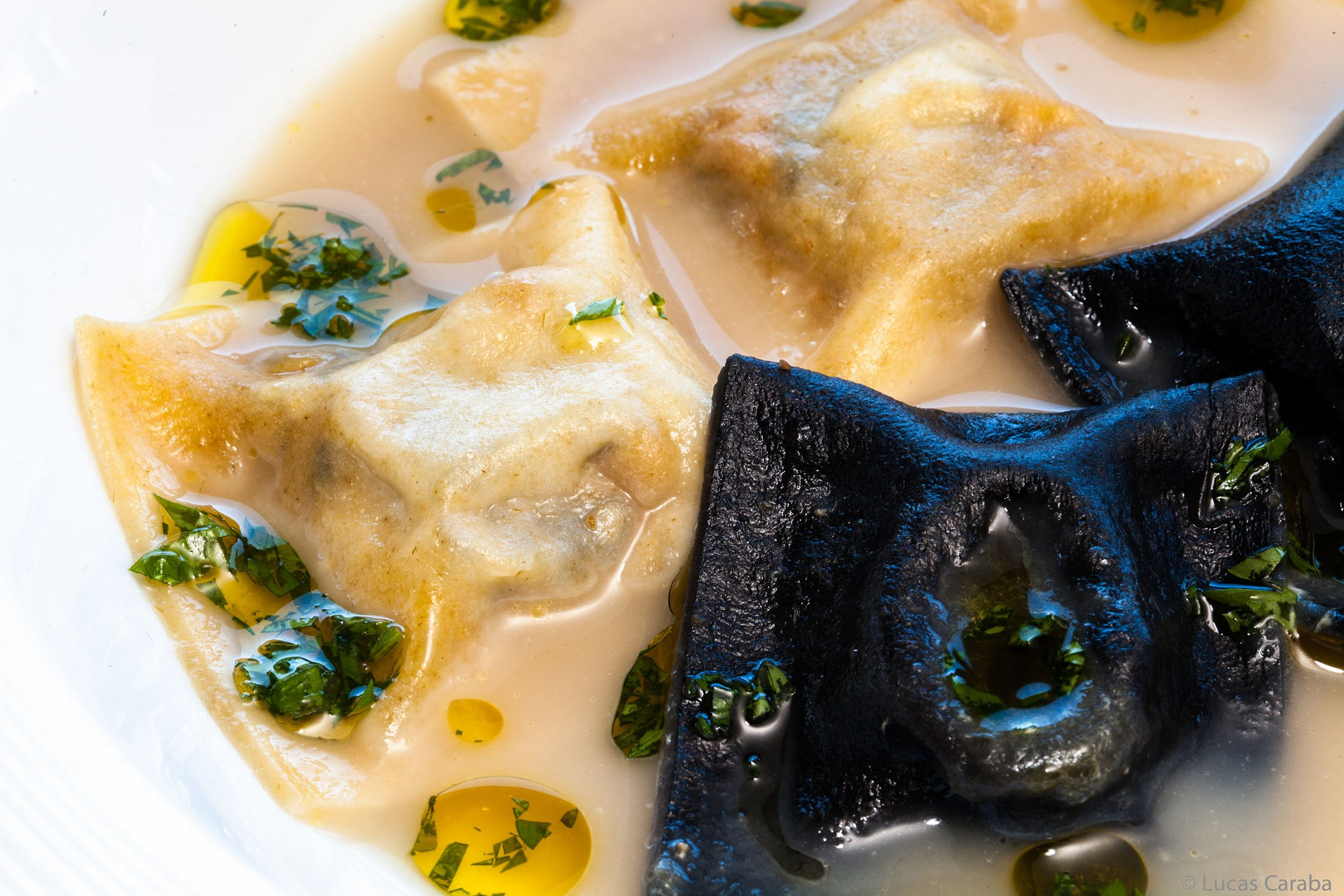 Raviolis de foie y Trufa Negra - Parador de Soria