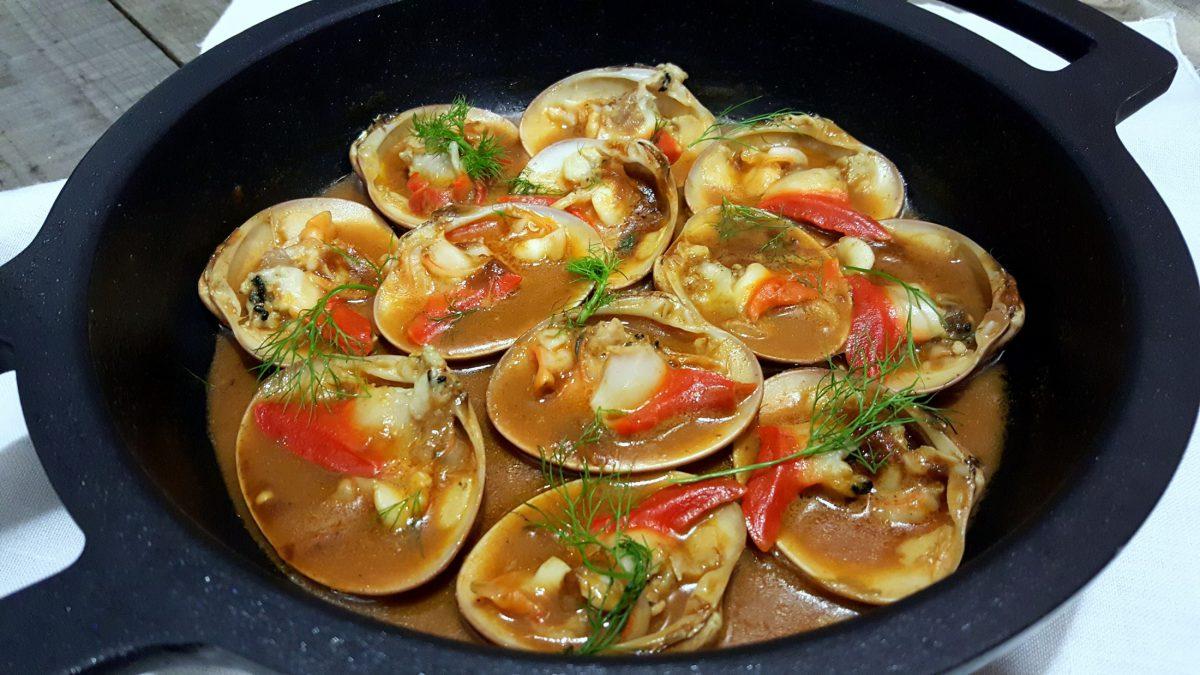 Almejas en salsa o a la malague a una delicia para for Como preparar almejas en salsa