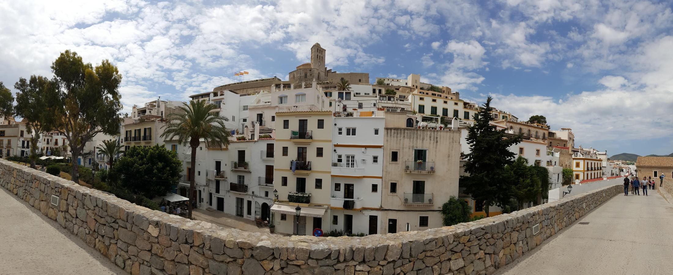 Dalt Vila La Antigua Ciudad Amurallada de Ibiza