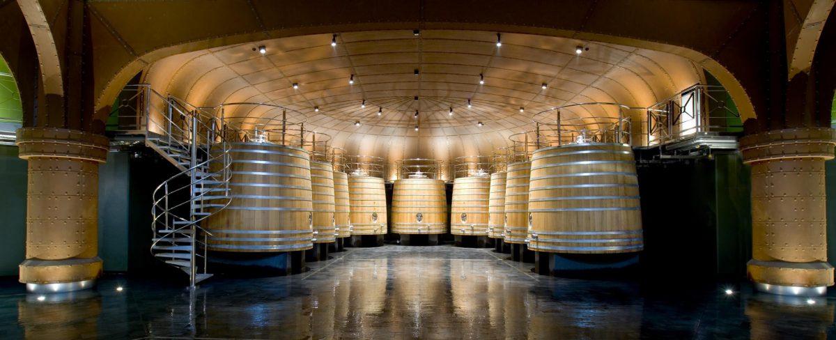 Museo Vivanco de la Cultura del Vino - Sala de tinos de roble francés