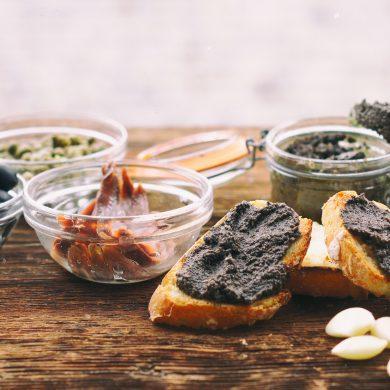 Tapenade u olivada, una receta sencilla, deliciosa y muy mediterránea