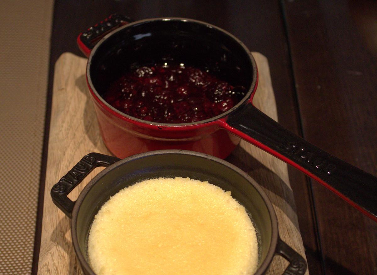Tarta caliente de queso –curado- con frutos rojos