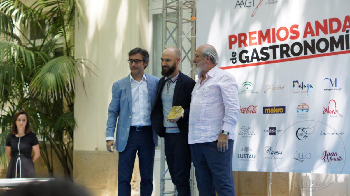 Juan Ruiz Henestrosa, centro, Álvaro Muñoz, izda, Fernando Huidobro, dcha.