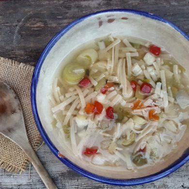 sopa juliana con pasta