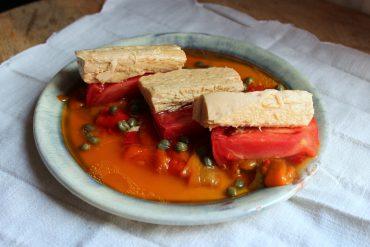 ensalada de tomate con bonito del norte